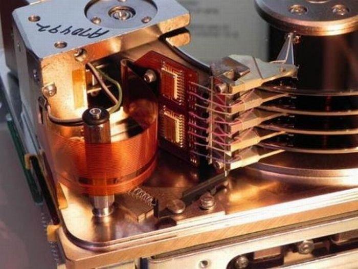Жесткий диск на 55 мегабайт образца 1985 года (7 фото)