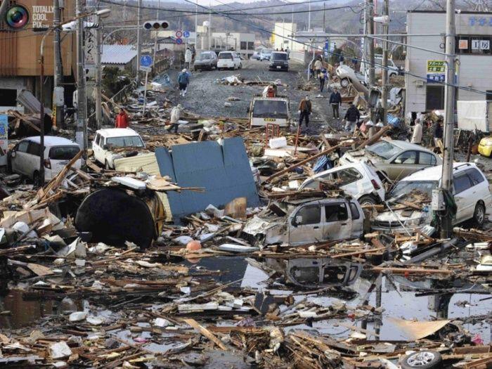 Фото цунами и землятресения в Японии (137 фото+4 видео)