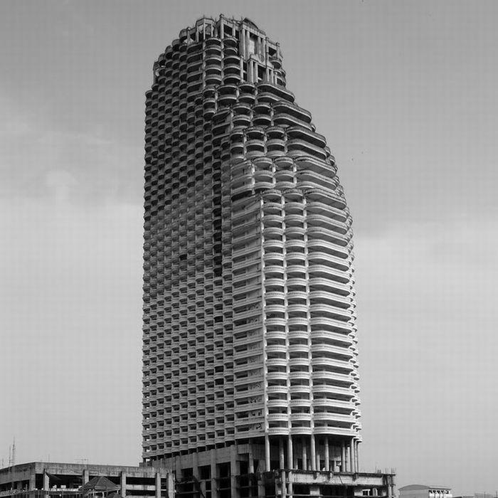 Заброшенный небоскрёб