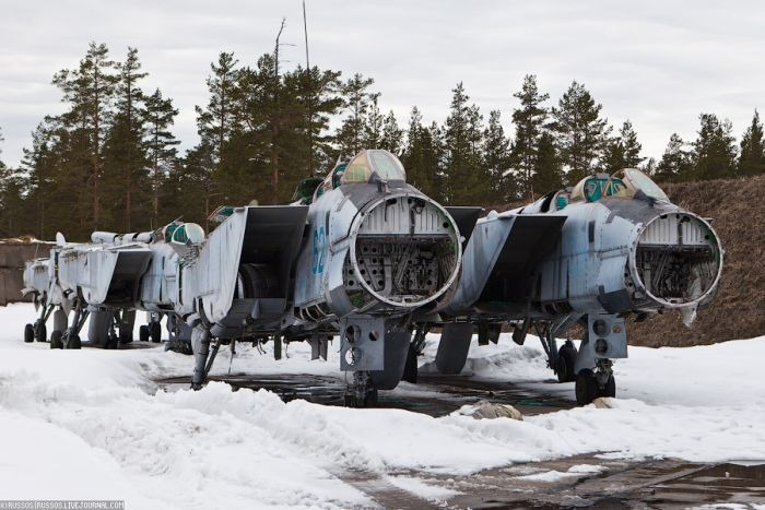 Кладбище самолетов МиГ-31 (26 фото)